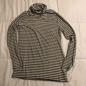 Banana Republic Long Sleeve Turtle Neck